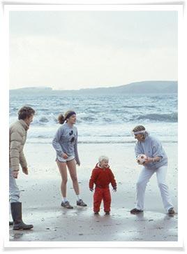 family-beach_02